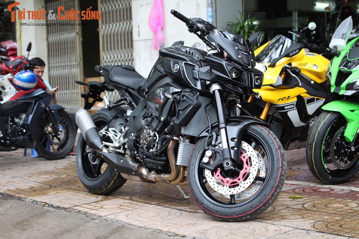 """""""Quai thu"""" Yamaha MT-10 gia 557 trieu dau tien tai VN"""