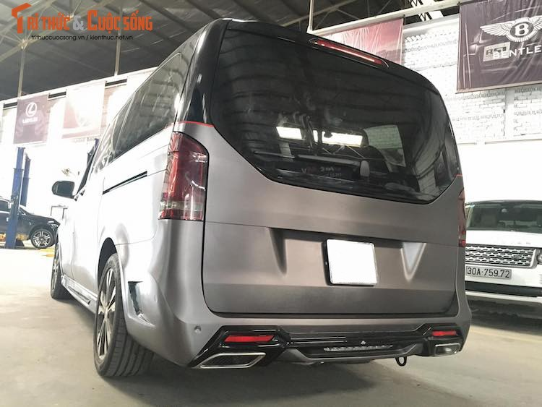 Xe van hang sang Mercedes V220 CDI do body doc nhat VN-Hinh-4