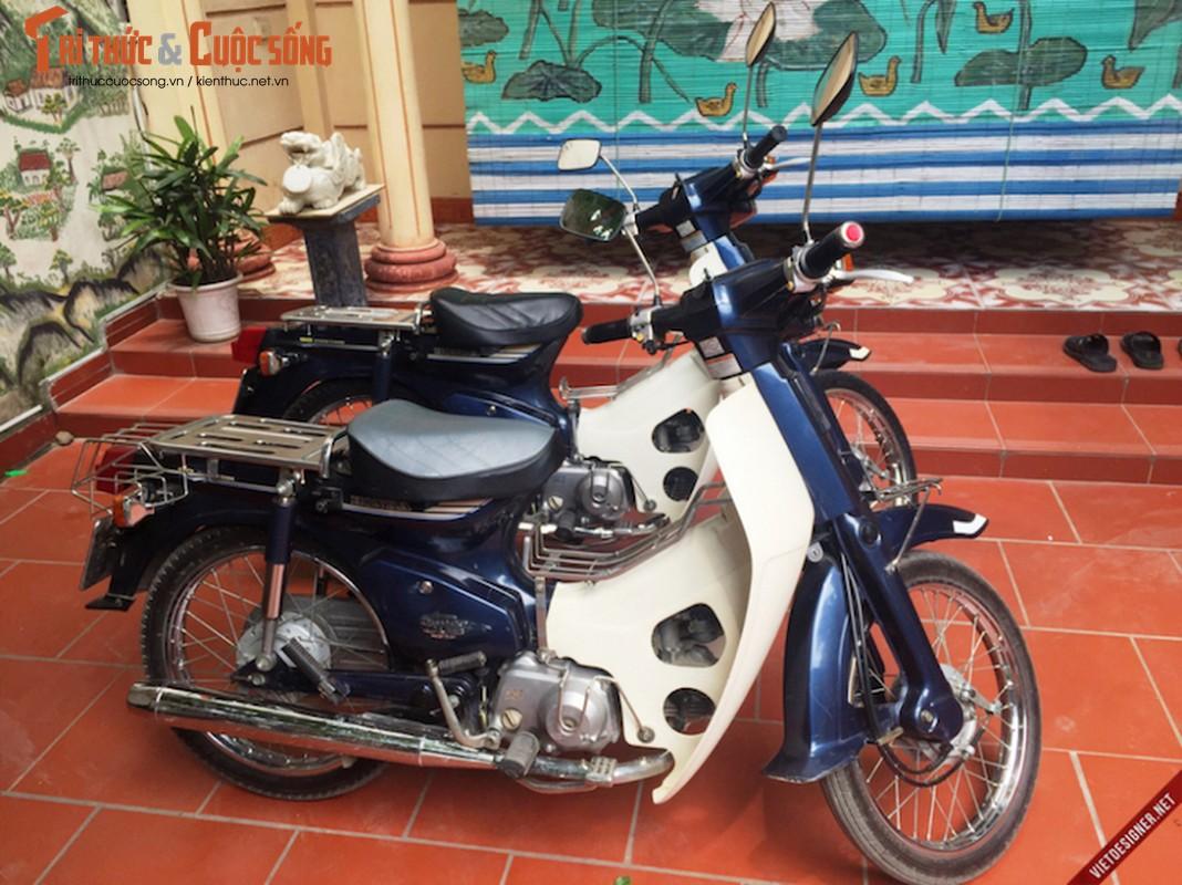 """Cap doi Honda Cub 82 hang doc """"con zin"""" tai Ha Noi"""
