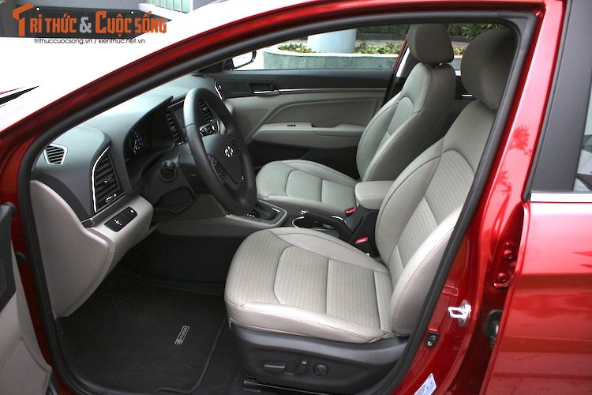 Can canh chiec Hyundai Elantra thu 5000 tai Viet Nam-Hinh-11