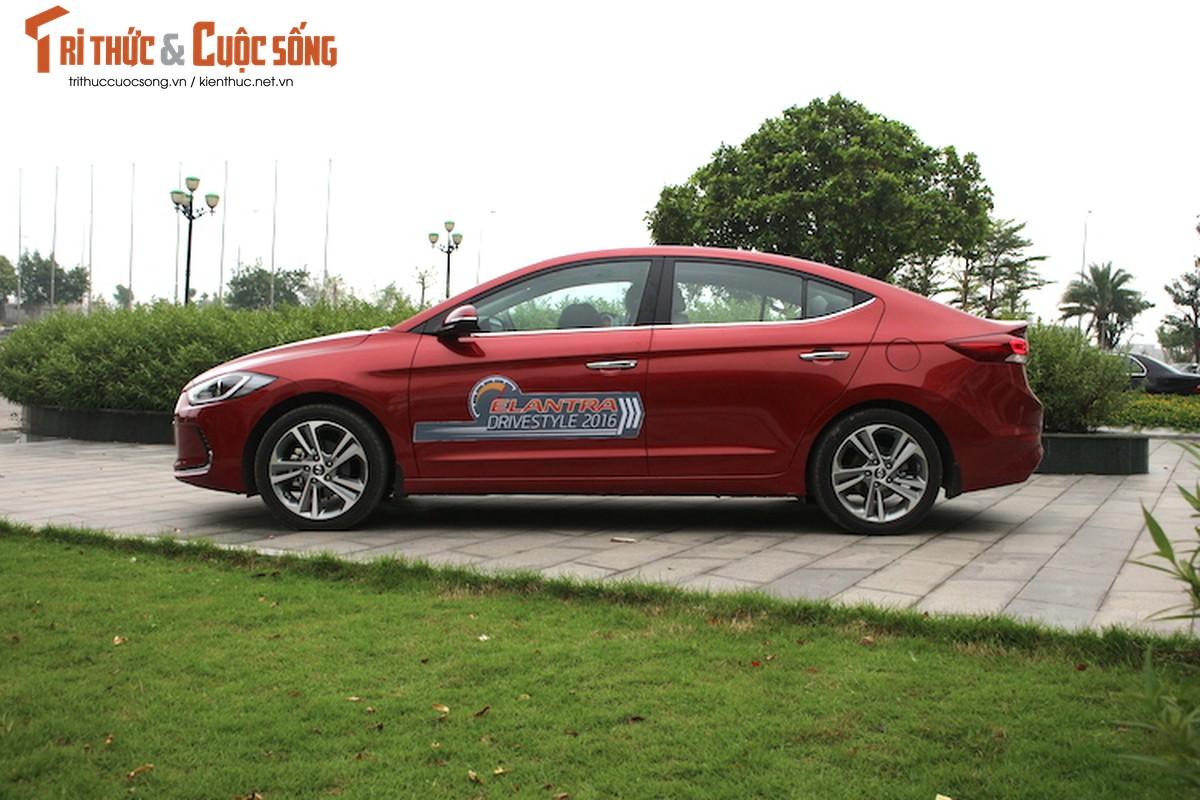 Can canh chiec Hyundai Elantra thu 5000 tai Viet Nam-Hinh-16