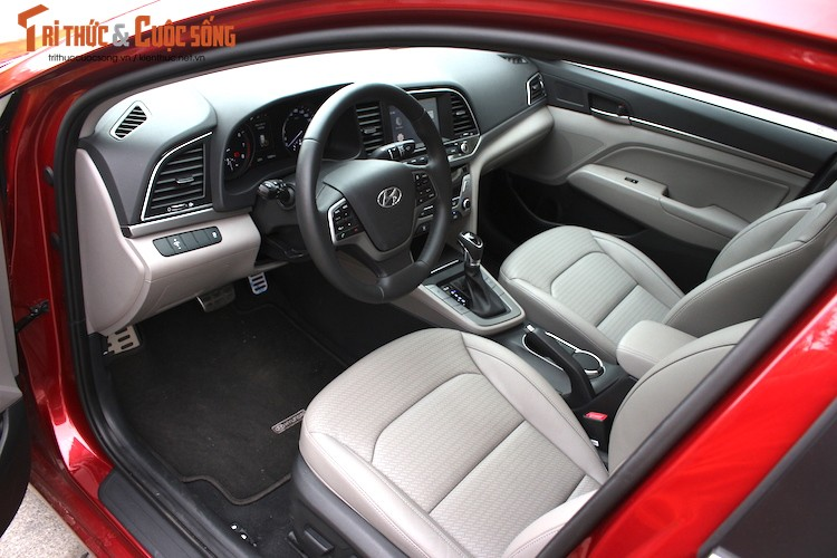 Can canh chiec Hyundai Elantra thu 5000 tai Viet Nam-Hinh-9