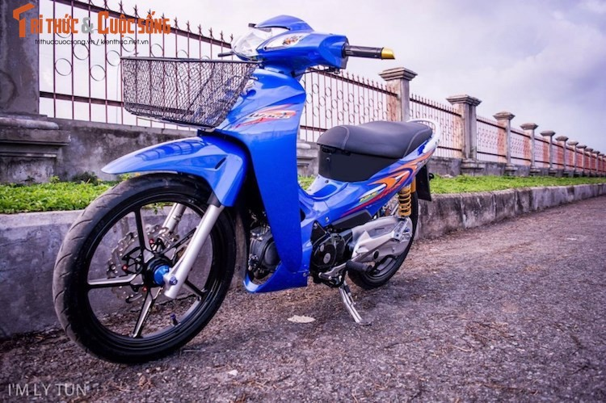 "Dan choi Viet chi 50 trieu ""do chan"" Honda Wave Thai"