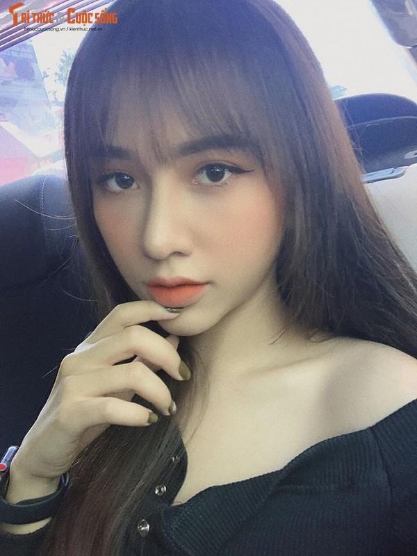 "Ban gai cau thu Hoang Duc dep ""than sau"" tren bao Trung Quoc-Hinh-6"