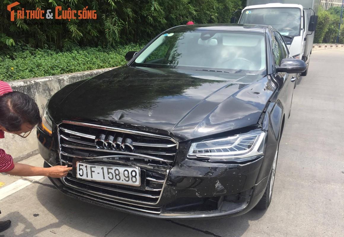 Hien truong tai nan lien hoan trong ham Thu Thiem, Audi A8 hong nang-Hinh-4