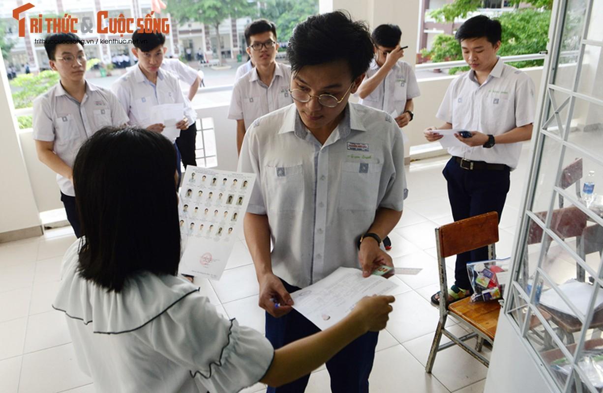 Anh: Thi sinh tu tin cuoi rang ro den thi THPT quoc gia 2018-Hinh-13