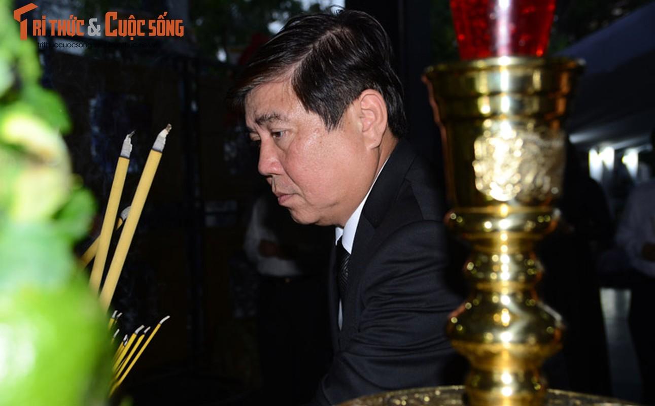 Bi thu Nguyen Thien Nhan xuc dong vieng tang Dong chi Nguyen Thi Thu-Hinh-11