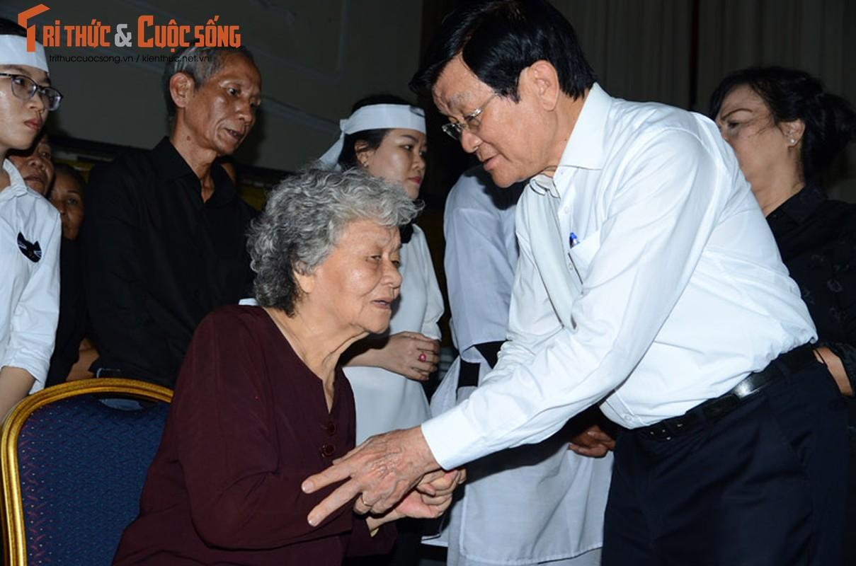 Bi thu Nguyen Thien Nhan xuc dong vieng tang Dong chi Nguyen Thi Thu-Hinh-9
