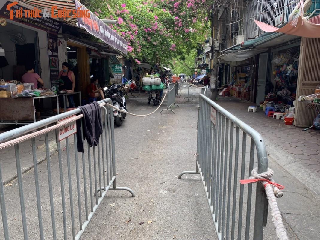 1001 kieu chong COVID-19 o cho dan sinh Ha Noi-Hinh-3