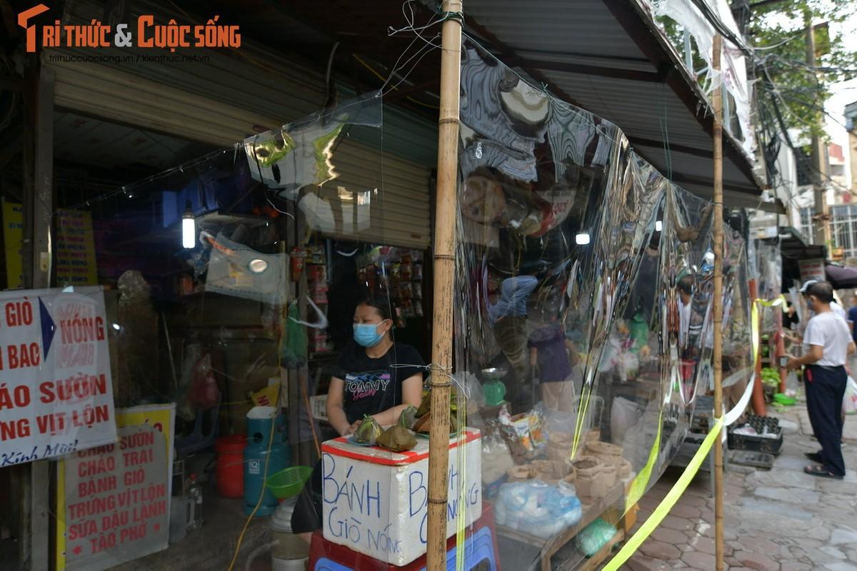 1001 kieu chong COVID-19 o cho dan sinh Ha Noi-Hinh-9