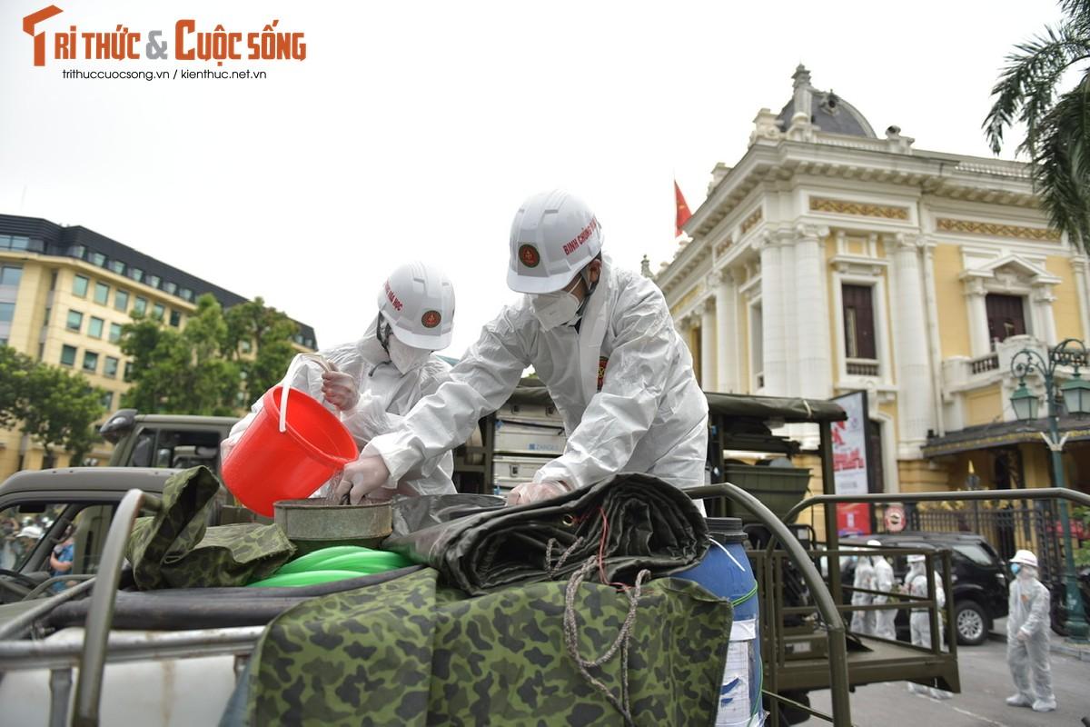 Xe dac chung Bo Tu lenh Hoa hoc ra quan phun khu khuan-Hinh-2