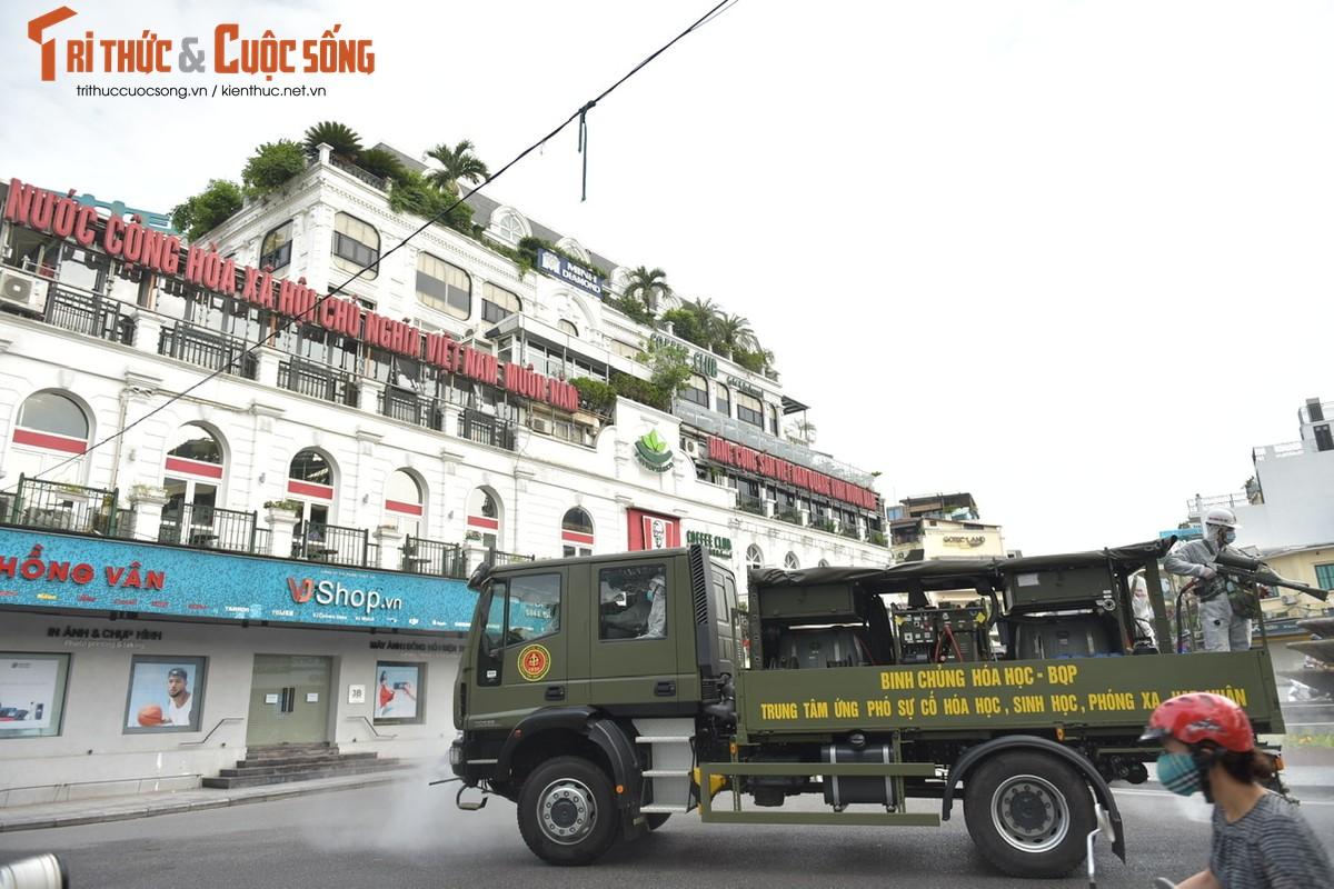 Xe dac chung Bo Tu lenh Hoa hoc ra quan phun khu khuan-Hinh-9