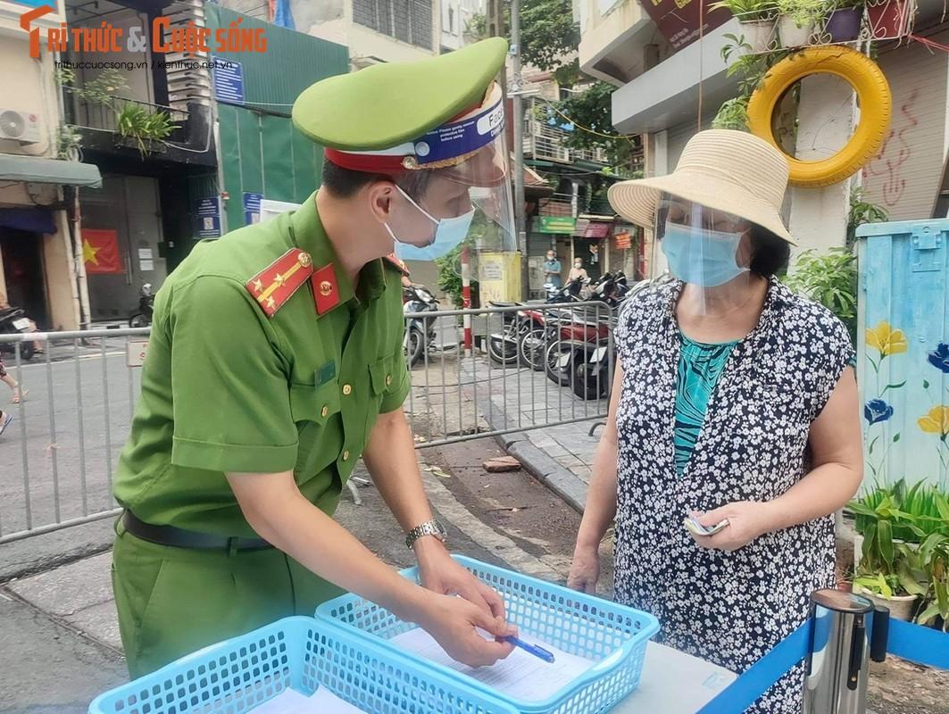 """Cho """"nha giau"""" Hang Be mo lai: Nguoi mua ban phai quet QR, khai bao thong tin-Hinh-6"""