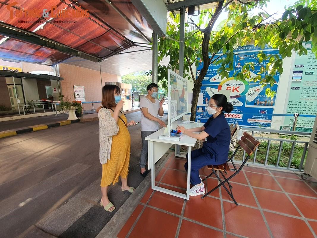 Hon 500 thai phu tren 13 tuan o Ha Noi duoc tiem Pfizer