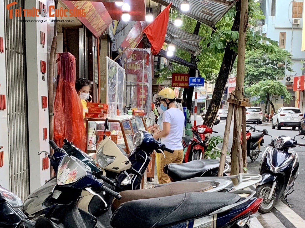 Tap nap khach giua dich, tiem banh Trung thu Bao Phuong bat ngo dong cua-Hinh-11