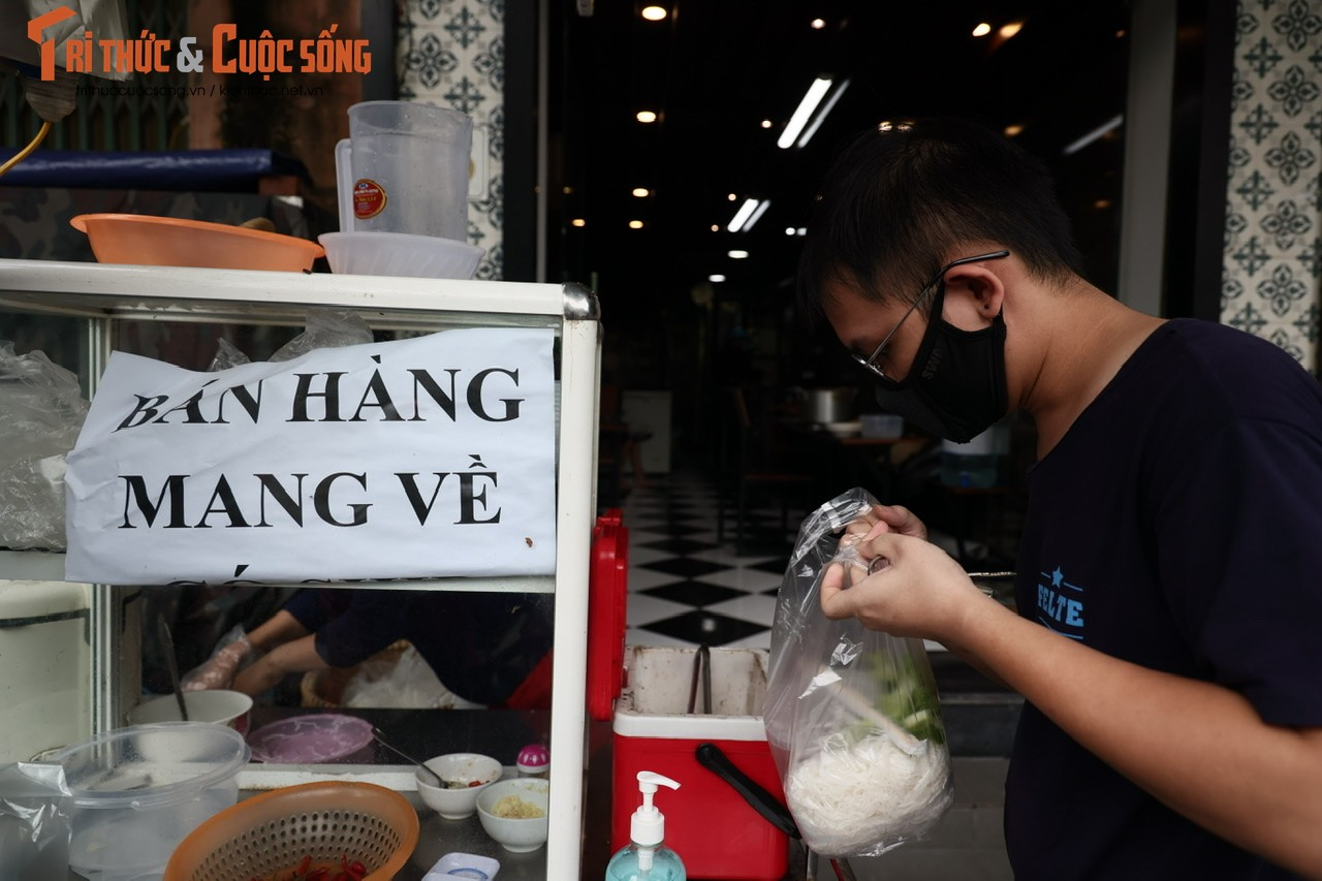 """Bun, mien ban ship ve """"chay hang""""... ngay dau Ha Noi noi long-Hinh-7"""