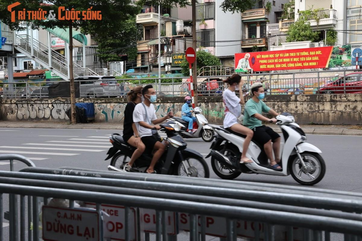Hinh anh thao do 39 chot kiem soat tren duong pho Ha Noi-Hinh-3
