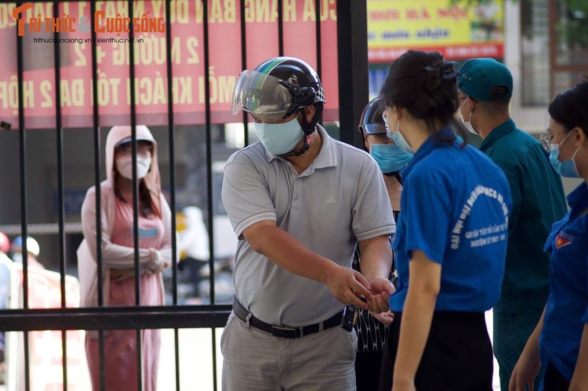 Xep hang tu sang den chieu... khong mua duoc banh Trung Thu Bao Phuong-Hinh-5