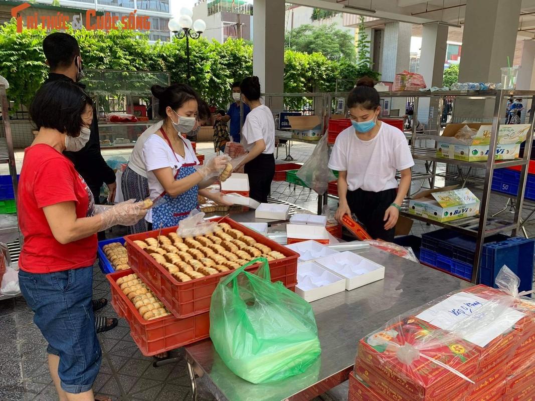 Xep hang tu sang den chieu... khong mua duoc banh Trung Thu Bao Phuong-Hinh-8