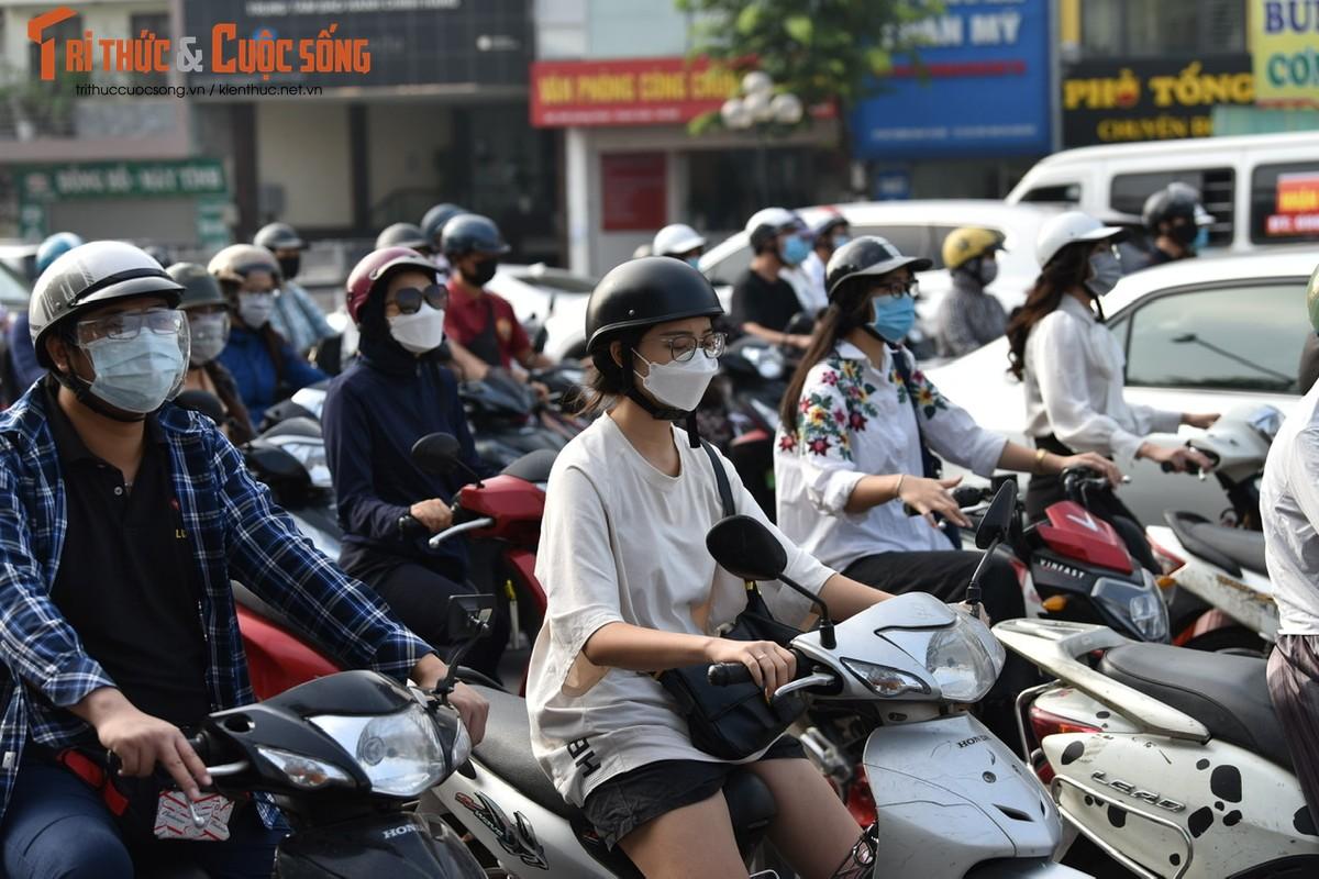 """Cac """"diem nong"""" giao thong Ha Noi the nao sau 2 thang gian cach?-Hinh-19"""
