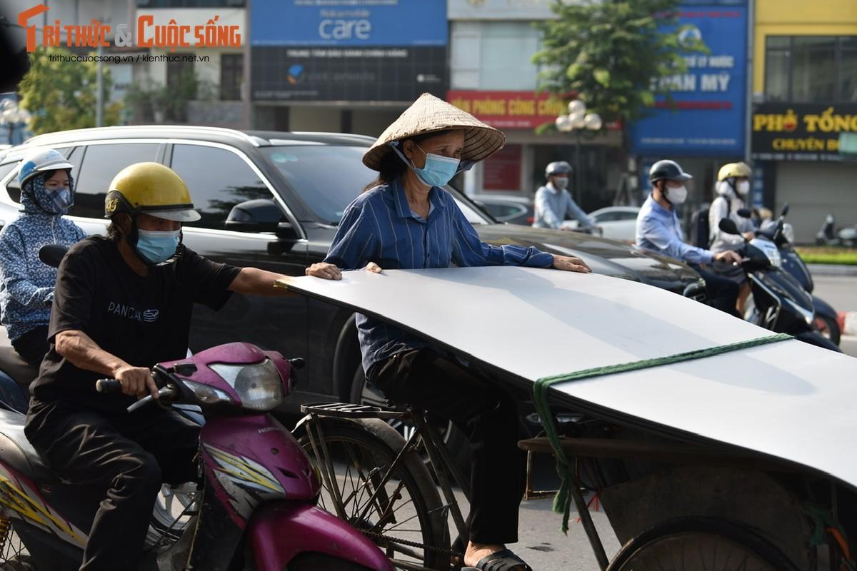"""Cac """"diem nong"""" giao thong Ha Noi the nao sau 2 thang gian cach?-Hinh-22"""