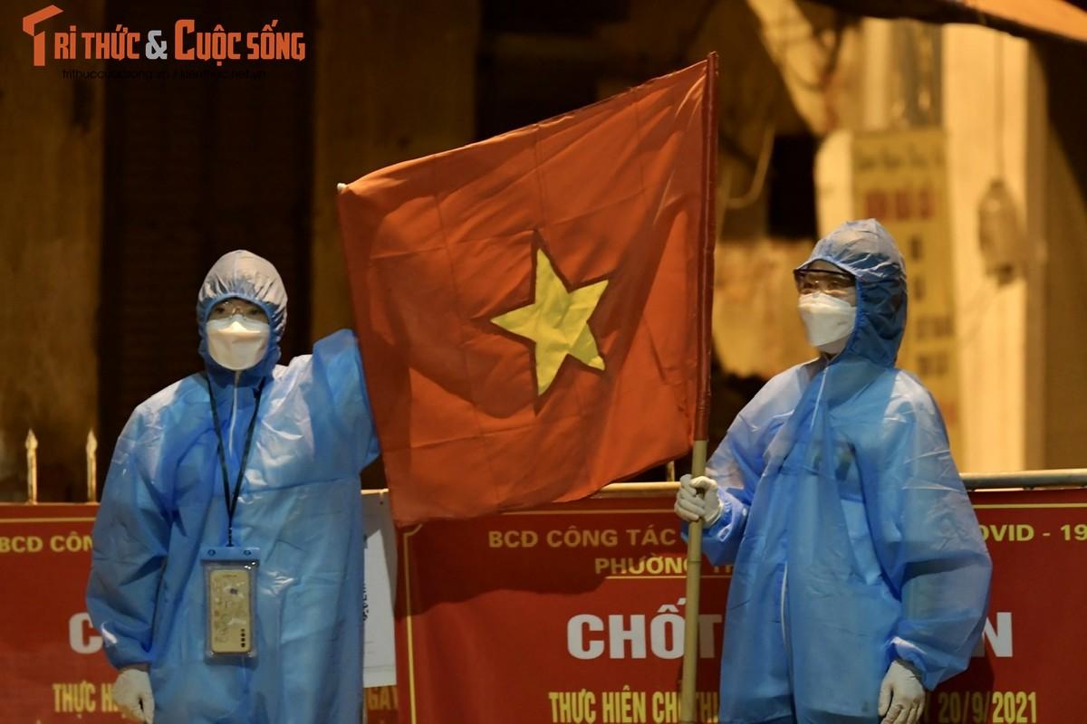 Ha Noi: Dan vui mung khi TP go phong toa o dich 328 Nguyen Trai-Hinh-6