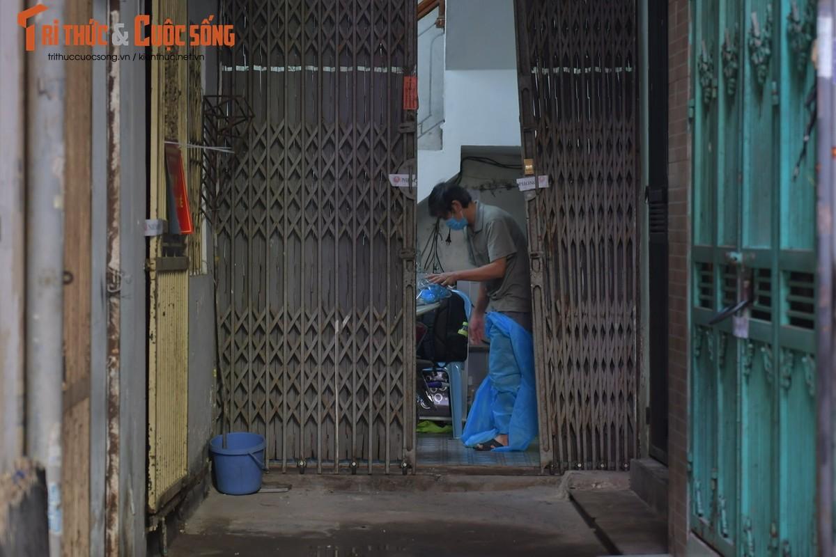 Nguoi dan o dich Thanh Xuan Trung vui mung tu tay… go niem phong nha-Hinh-8