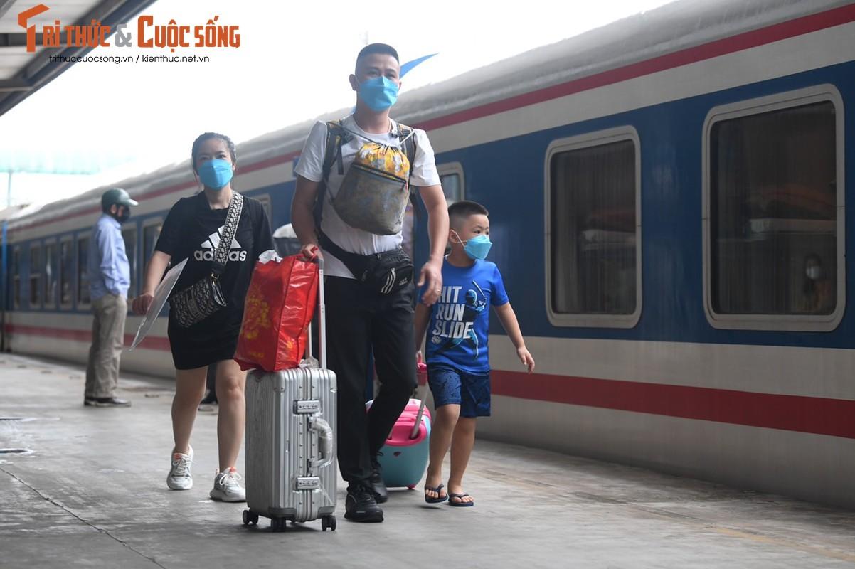 Can canh chuyen tau thuong mai dau tien chay lai sau nhieu thang nghi dich-Hinh-8