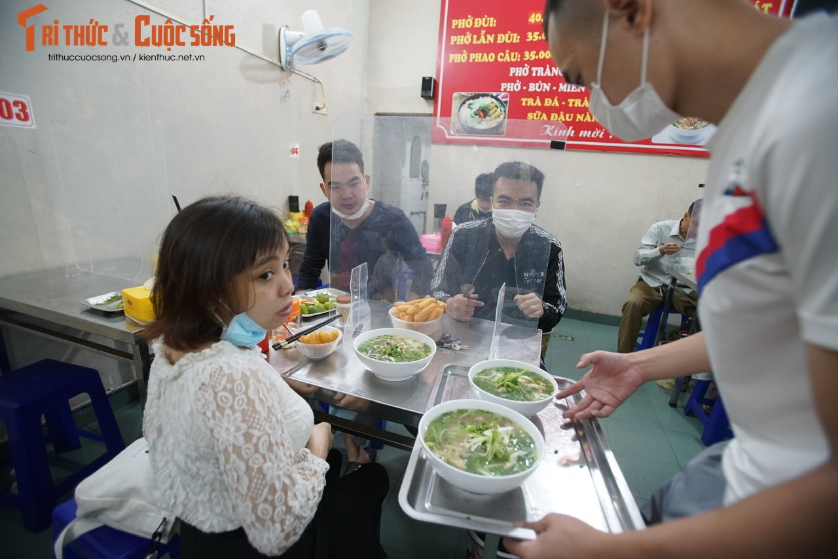 Ha Noi: Quan pho dat khach ngay dau duoc mo ban an tai cho-Hinh-5