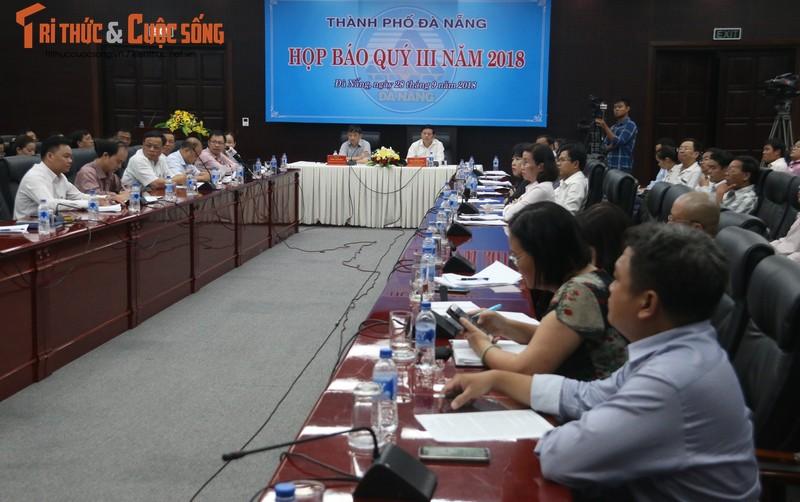 """Nhieu can bo Da Nang bi dinh chi sinh hoat Dang lien quan den Vu """"nhom"""""""