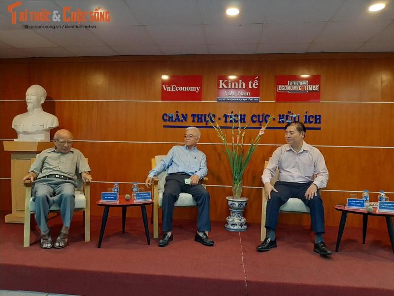 """Chu tich VUSTA Phan Xuan Dung: """"KH&CN dang thay doi nguoi lam bao"""""""