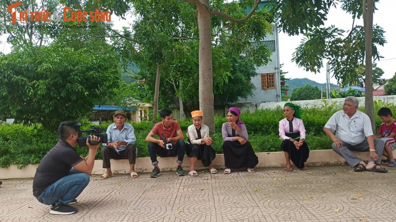 Nghi truc loi bao hiem o Son La: Hang tram benh nhan cung nhap vien-Hinh-2