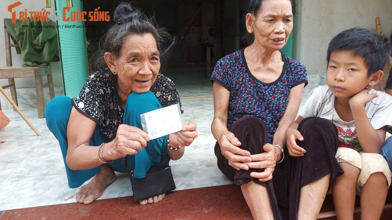 Nghi truc loi bao hiem o Son La: Hang tram benh nhan cung nhap vien-Hinh-3