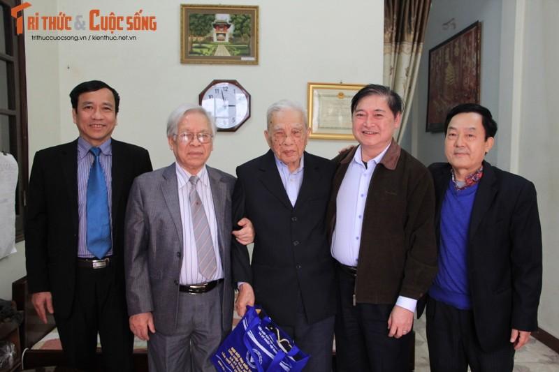 Chu tich Phan Xuan Dung tham, chuc Tet nguyen Lanh dao Lien hiep cac Hoi KH&KT Viet Nam