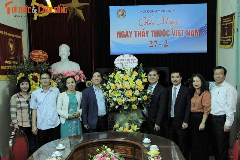 Chu tich VUSTA, TSKH Phan Xuan Dung tham, chuc mung Tong hoi Y hoc Viet Nam va Hoi Dong y Viet Nam-Hinh-2