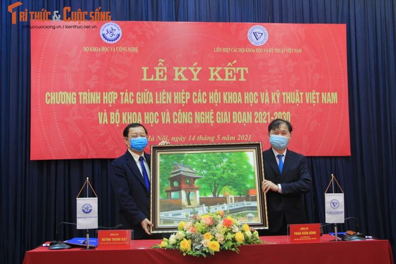 VUSTA ky ket hop tac voi Bo Khoa hoc va Cong nghe-Hinh-4