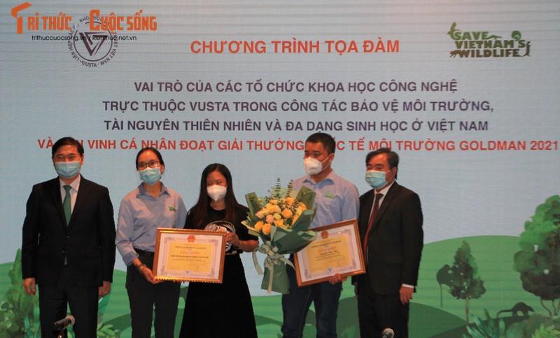 Chu tich Phan Xuan Dung vinh danh nguoi Viet Nam nhan giai thuong Moi truong Goldman