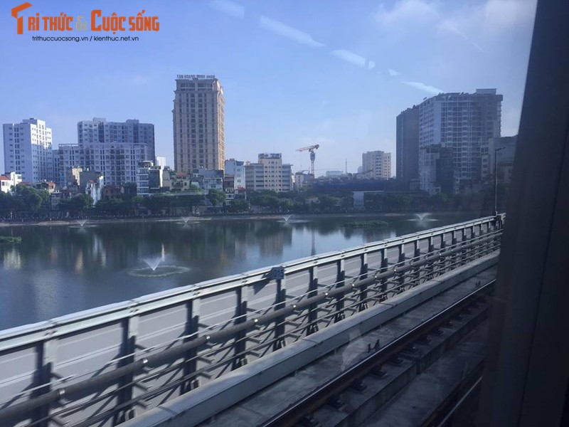 Can canh chay thu tau dien tren cao Cat Linh - Ha Dong-Hinh-3