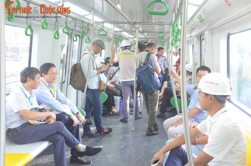 Can canh chay thu tau dien tren cao Cat Linh - Ha Dong-Hinh-4
