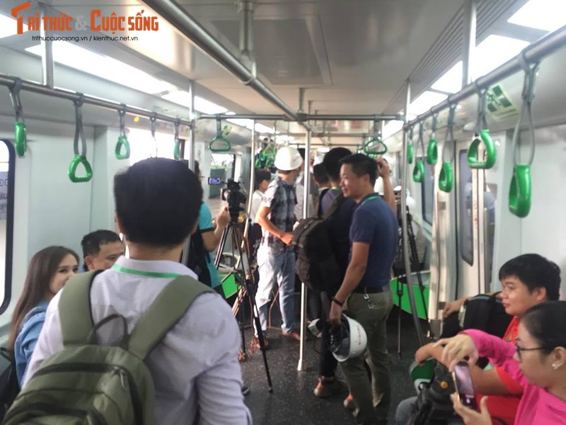 Can canh chay thu tau dien tren cao Cat Linh - Ha Dong-Hinh-9