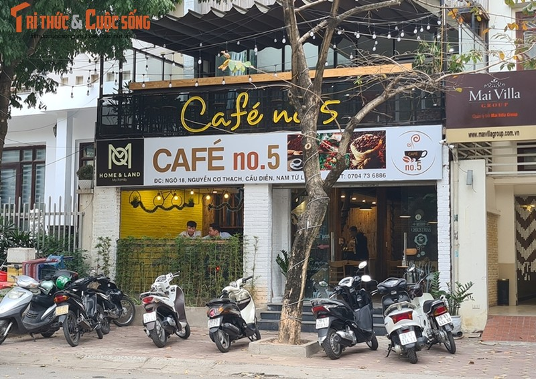 """Ha Noi: Nhieu quan cafe """"phot lo"""" chi dao phong dich COVID-19, ngang nhien hoat dong-Hinh-4"""