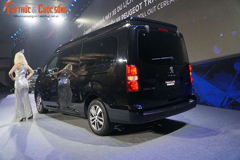 Can canh MPV Peugeot Traveller gia tu 1,7 ty tai VN-Hinh-2