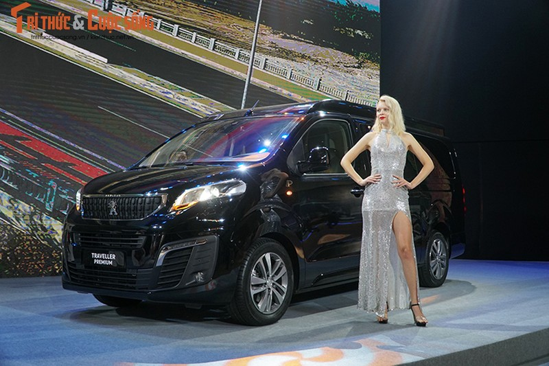 Can canh MPV Peugeot Traveller gia tu 1,7 ty tai VN