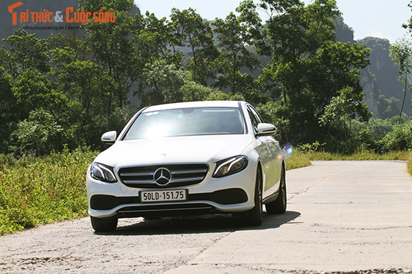 Danh gia Mercedes-Benz E180 2020, hon 2 ty tai Viet Nam-Hinh-12