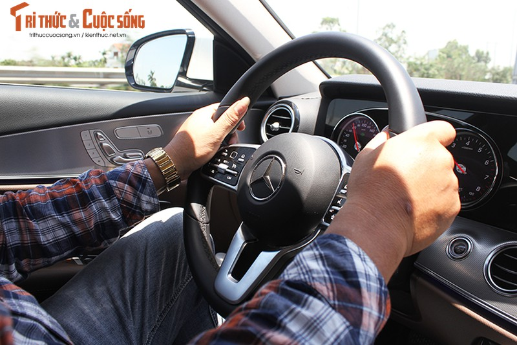 Danh gia Mercedes-Benz E180 2020, hon 2 ty tai Viet Nam-Hinh-14