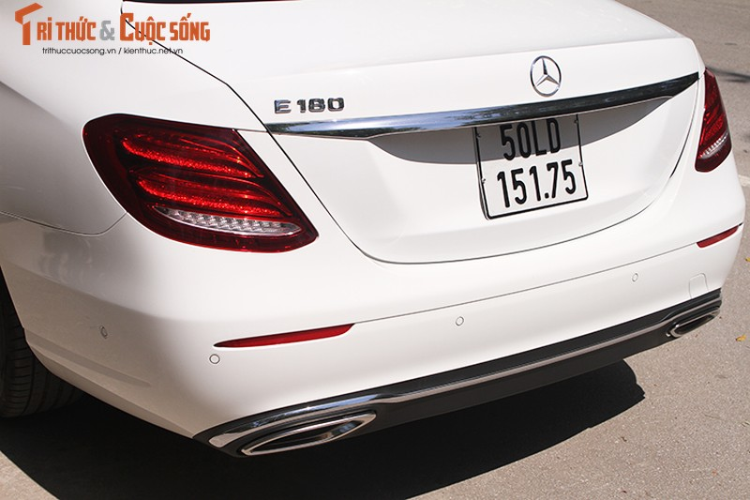 Danh gia Mercedes-Benz E180 2020, hon 2 ty tai Viet Nam-Hinh-5