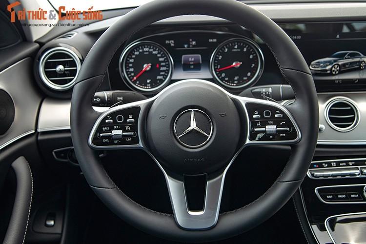 Danh gia Mercedes-Benz E180 2020, hon 2 ty tai Viet Nam-Hinh-8