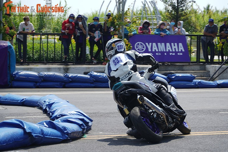 Dan choi xe may Viet do ve Can Tho tham du Yamaha GP 2021-Hinh-10
