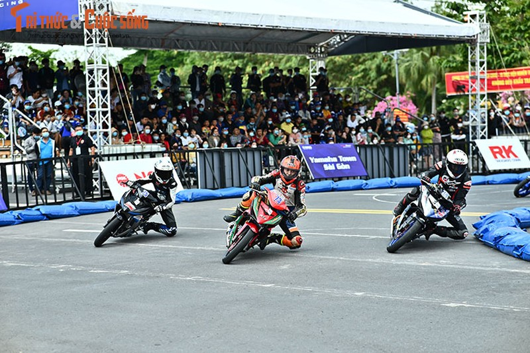 Dan choi xe may Viet do ve Can Tho tham du Yamaha GP 2021-Hinh-7