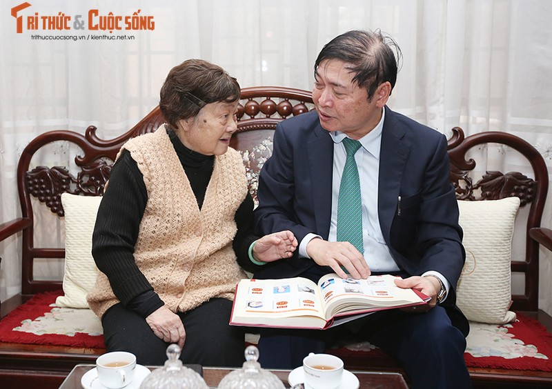 """Chu tich Phan Xuan Dung tham, chuc Tet... dam dao """"the su"""" voi cac nha khoa hoc lao thanh-Hinh-6"""